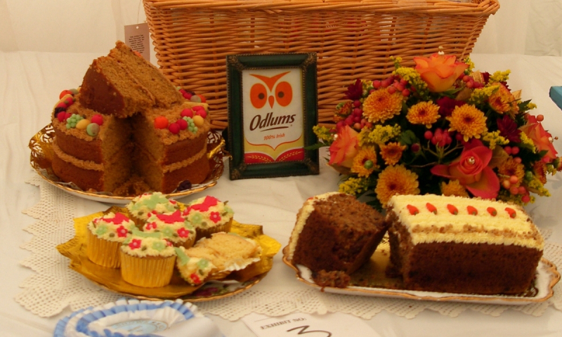 0-371.odlums-colourful-display-cake-buns-and-basket-1.1200.0.0.0.t