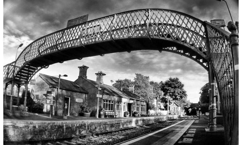 framing-your-shot-tullamore-train-station