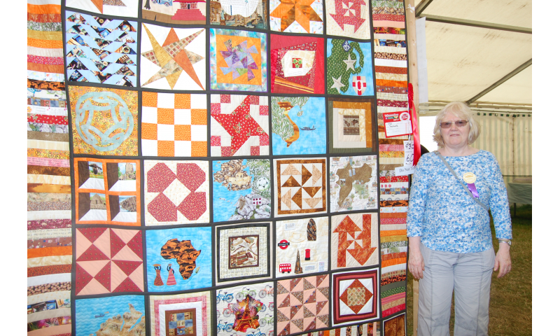 mary-curry-patchwork-1st-place