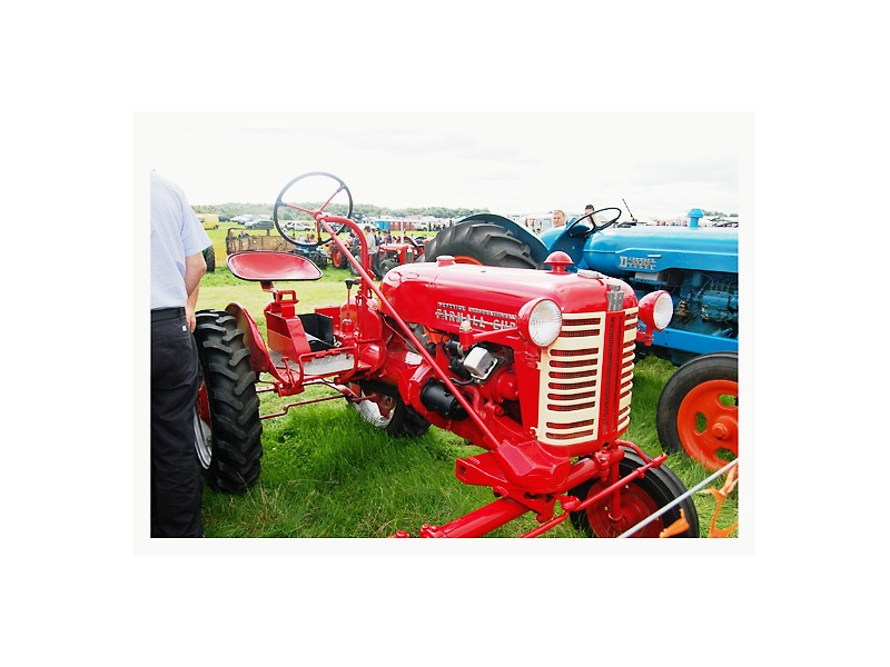 a-classic-tractor-at-the-tullamore-show