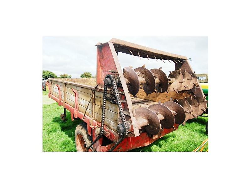 farm-vintage-machinery-at-the-tullamore-show
